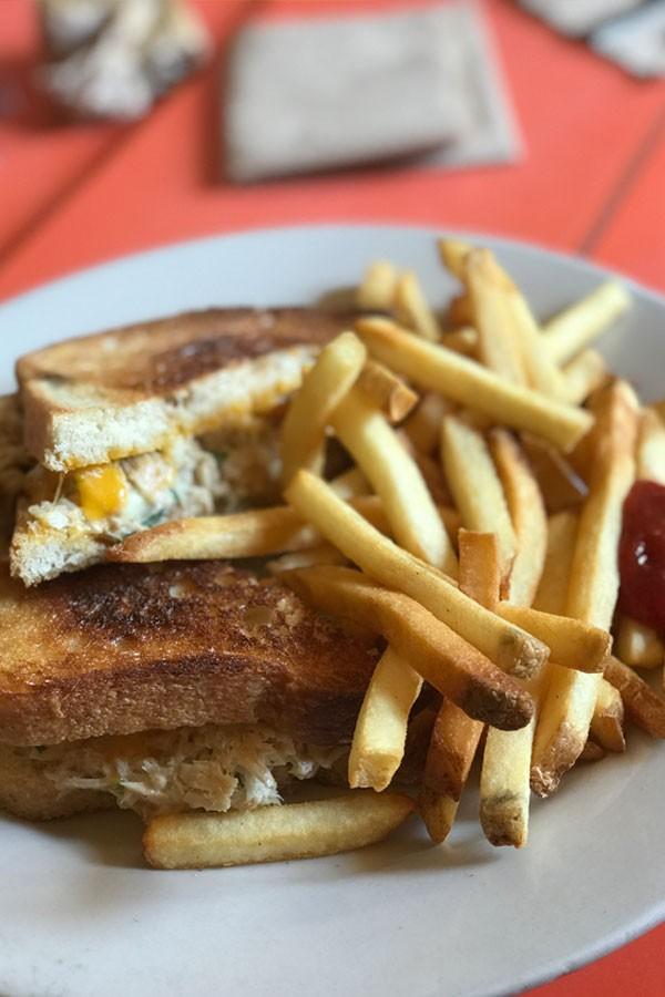 Thunfisch Sandwich im Swingers Diner